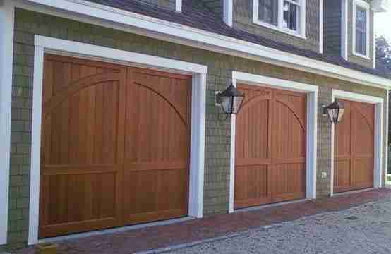 Old-Fashioned-Garage-Doors